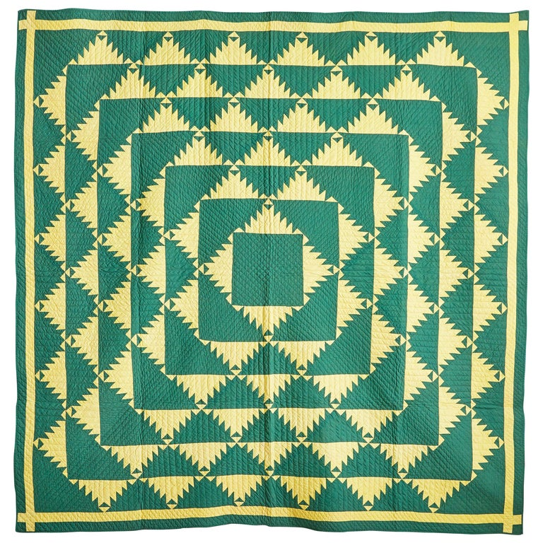 "Vintage American 1930s ""Delectable Mountains"" Handmade Patchwork Quilt For Sale"