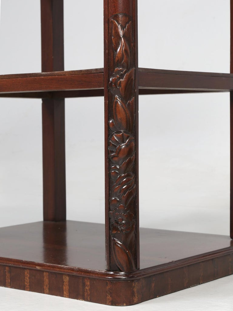 Vintage American Mahogany End Table, Nightstand or Side Table, Restored For Sale 8