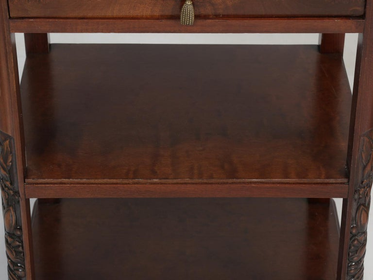 Vintage American Mahogany End Table, Nightstand or Side Table, Restored For Sale 10