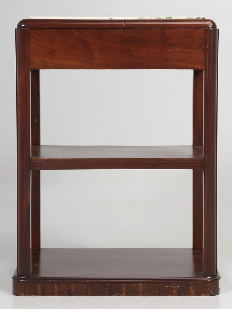 Vintage American Mahogany End Table, Nightstand or Side Table, Restored For Sale 14