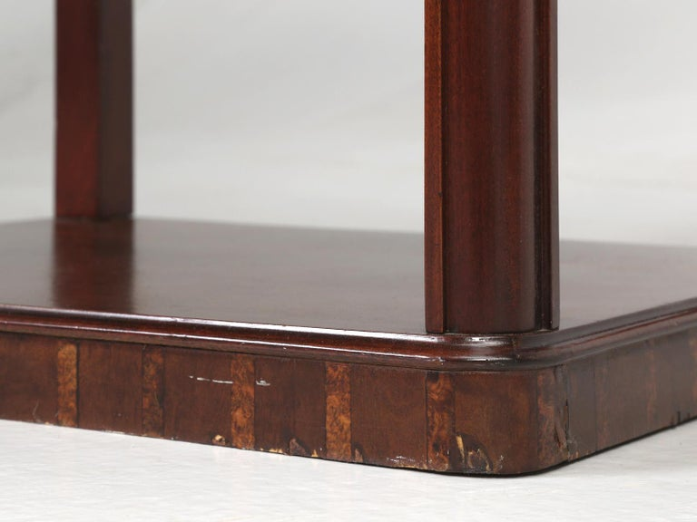Vintage American Mahogany End Table, Nightstand or Side Table, Restored For Sale 15