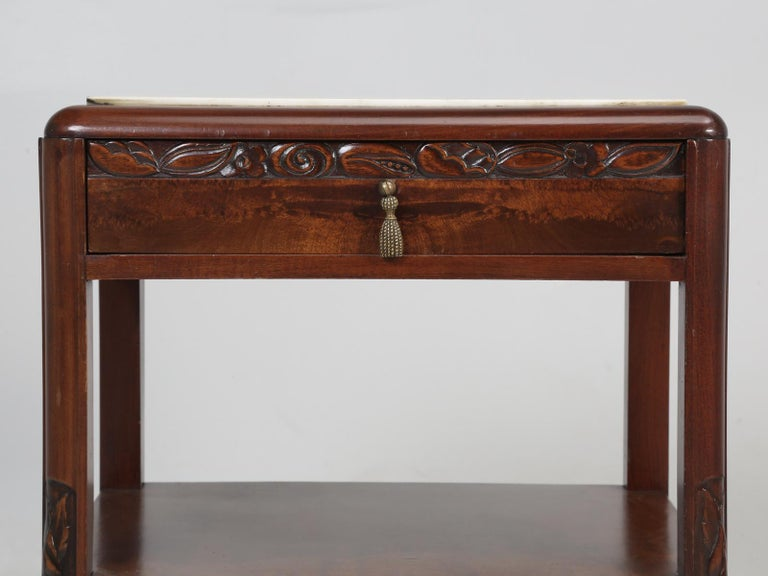 Vintage American Mahogany End Table, Nightstand or Side Table, Restored For Sale 4