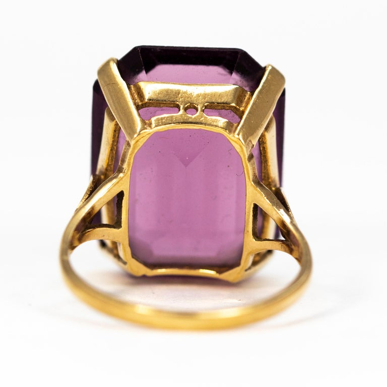 Vintage Amethyst and 9 Carat Gold Cocktail Ring In Good Condition For Sale In Chipping Campden, GB