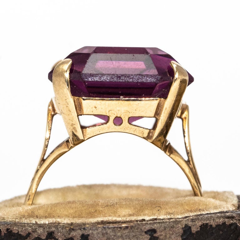 Women's or Men's Vintage Amethyst and 9 Carat Gold Cocktail Ring For Sale