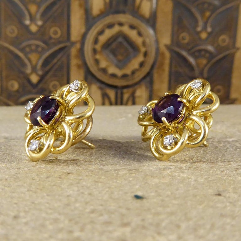 Women's Vintage Amethyst Diamond Set of Floral Pattern Earrings in 18 Carat Yellow Gold For Sale