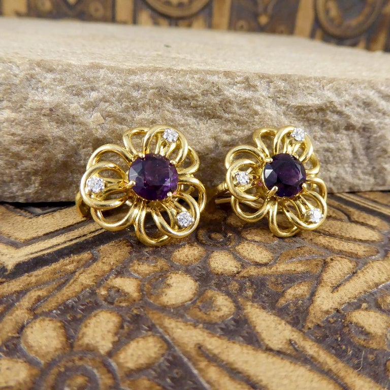 Vintage Amethyst Diamond Set of Floral Pattern Earrings in 18 Carat Yellow Gold For Sale 3