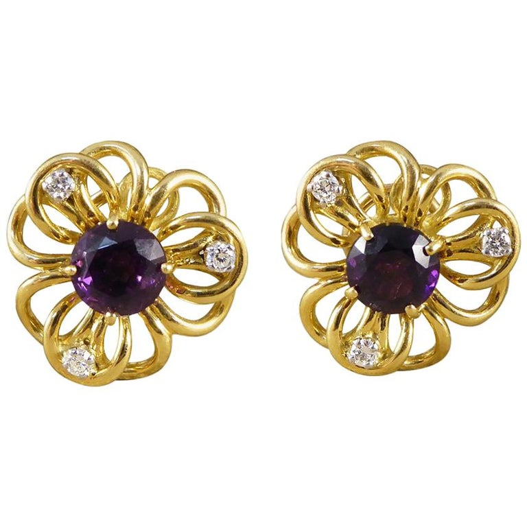 Vintage Amethyst Diamond Set of Floral Pattern Earrings in 18 Carat Yellow Gold For Sale