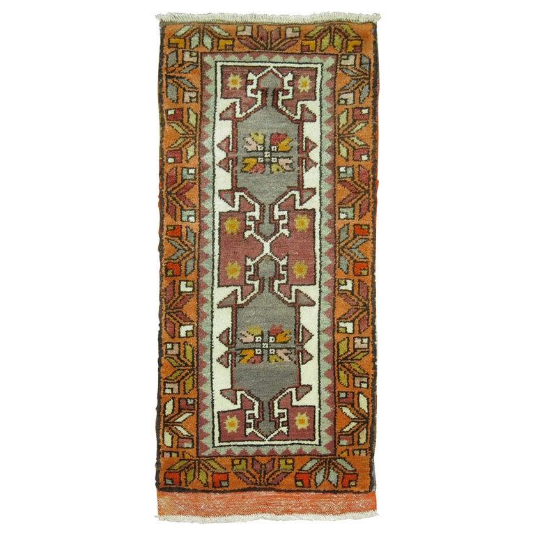 Turkish Yastik Rug: Vintage Anatolian Yastik Rug For Sale At 1stdibs