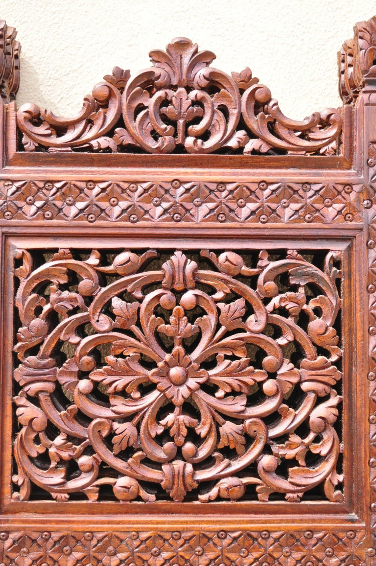 Vintage Anglo Indian Teak Wood Brass Inlay 4 Panel Room Divider Folding Screen In Good Condition For Sale In Philadelphia, PA