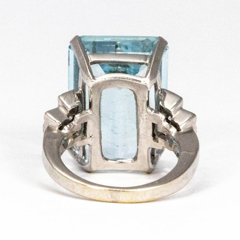 Vintage Aqua and Diamond 18 Carat White Gold Cocktail Ring In Good Condition In Chipping Campden, GB