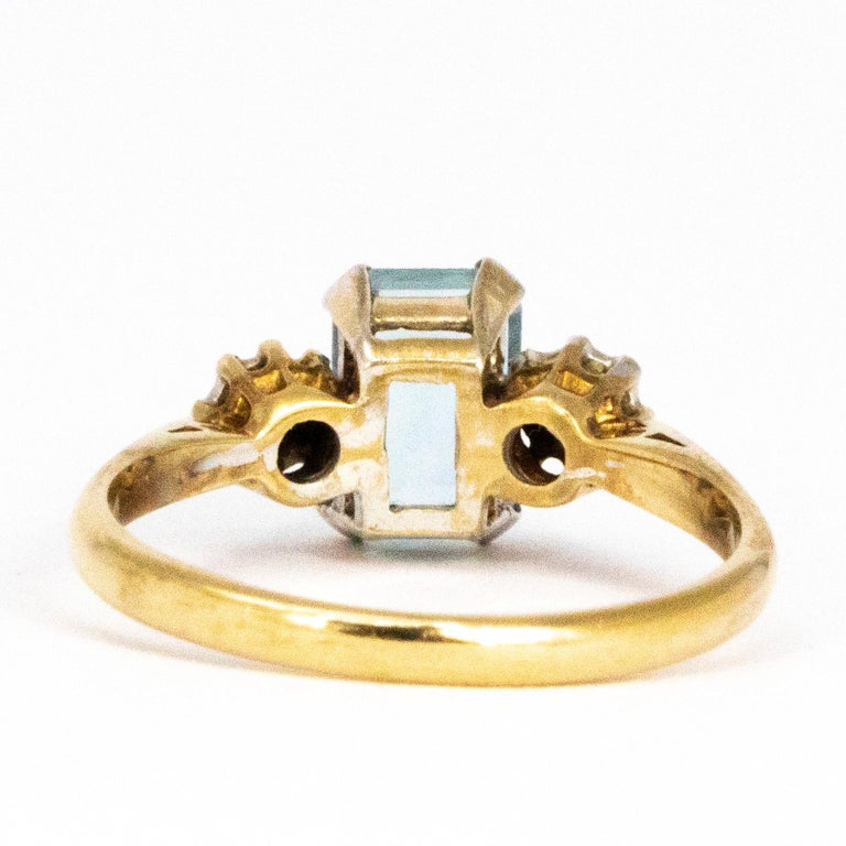 Vintage Aqua and Diamond 9 Carat Gold  Three-Stone Ring In Good Condition In Chipping Campden, GB