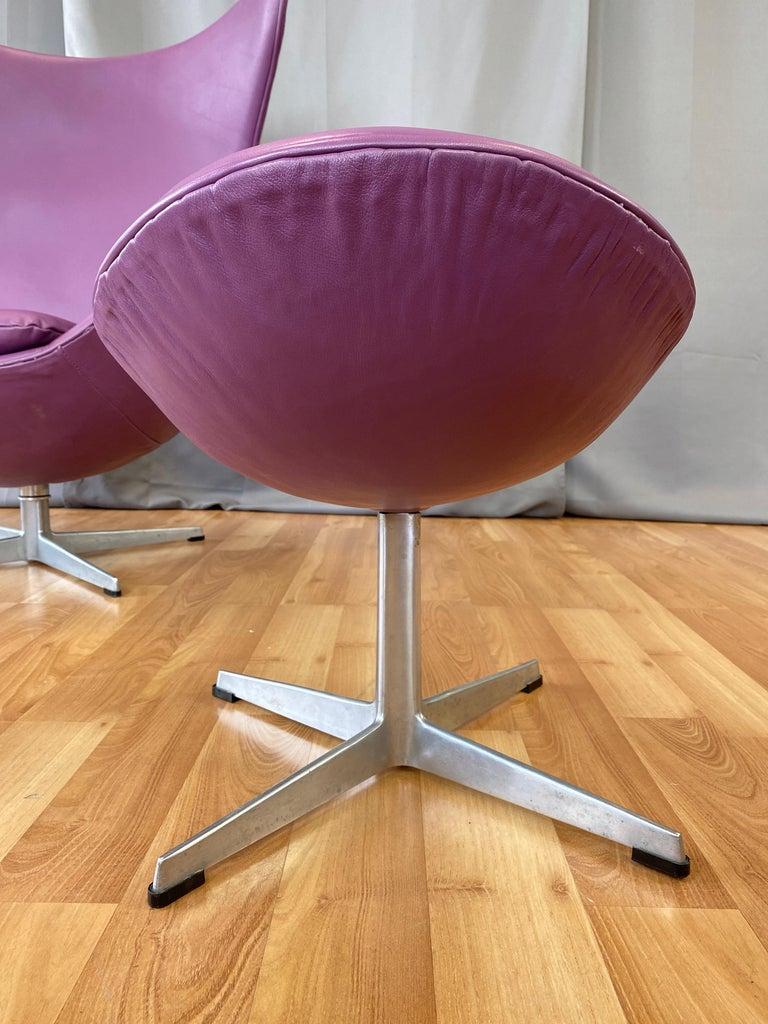 Vintage Arne Jacobsen for Fritz Hansen Leather Egg Chair & Footstool Set, 1960s For Sale 8