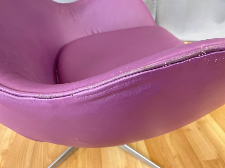 Vintage Arne Jacobsen for Fritz Hansen Leather Egg Chair & Footstool Set, 1960s For Sale 9