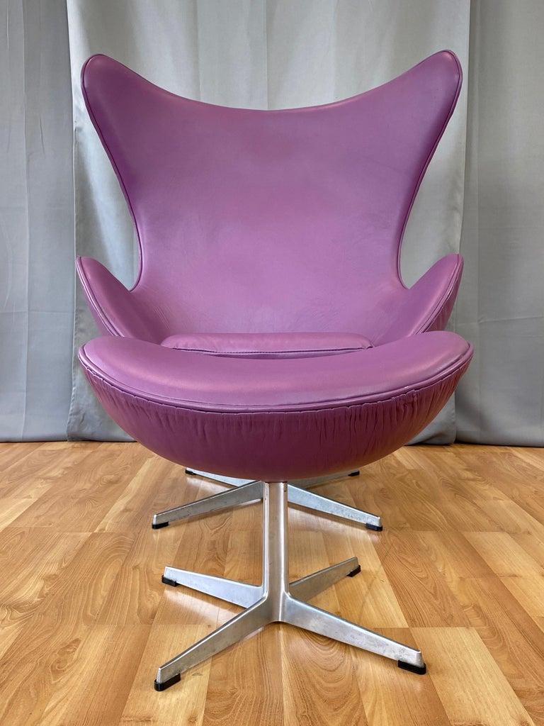 Scandinavian Modern Vintage Arne Jacobsen for Fritz Hansen Leather Egg Chair & Footstool Set, 1960s For Sale