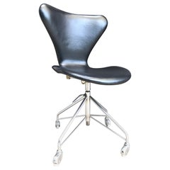 Vintage Arne Jacobsen Office Swivel Stool Chair Model 3117 by Fritz Hansen