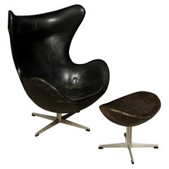 """Vintage Arne Jacobsen """"The Egg"""" Chair in Original Leather, with Ottoman, 1963"""