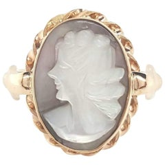 Vintage Art Deco 10 Karat Yellow Gold Carved Shell Cameo Woman Ring