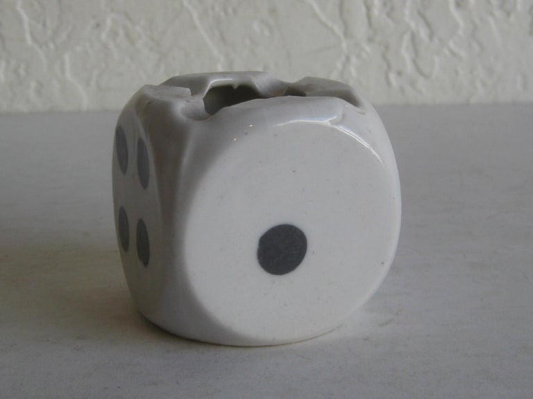 Vintage Art Deco 1930s Figural Dice Porcelain Desk Ashtray In Excellent Condition In San Diego, CA