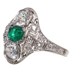 Vintage Art Deco Emerald Diamond Platinum Ring