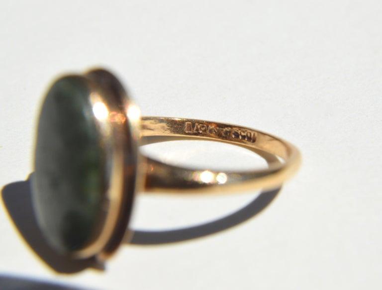 Women's Vintage Art Deco Era 1920s 5.81 Carat Jade 10 Karat Gold Signet Ring
