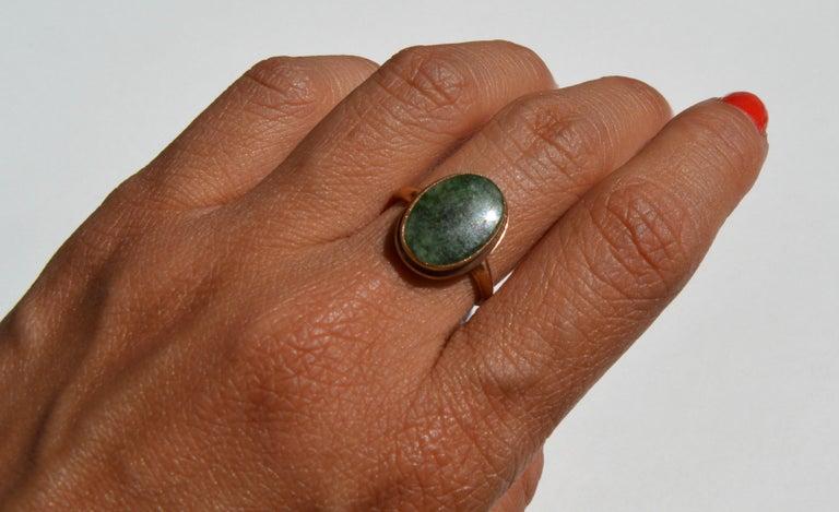 Vintage Art Deco Era 1920s 5.81 Carat Jade 10 Karat Gold Signet Ring 2