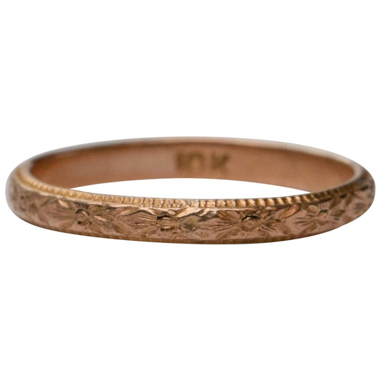 Vintage Art Deco Floral Engraved 10 Karat Yellow Gold Baby Ring For Sale
