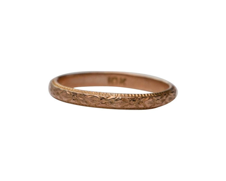 Women's or Men's Vintage Art Deco Floral Engraved 10 Karat Yellow Gold Baby Ring For Sale