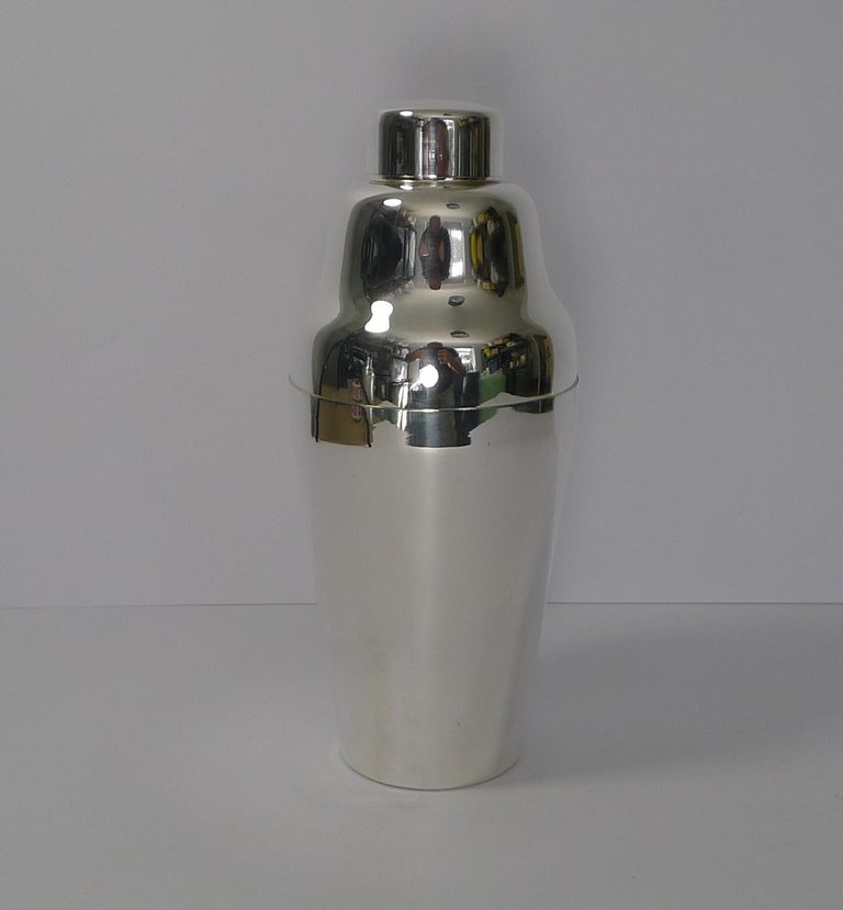 Vintage Art Deco German Cocktail Shaker, circa 1930, Carl Deffner For Sale 5