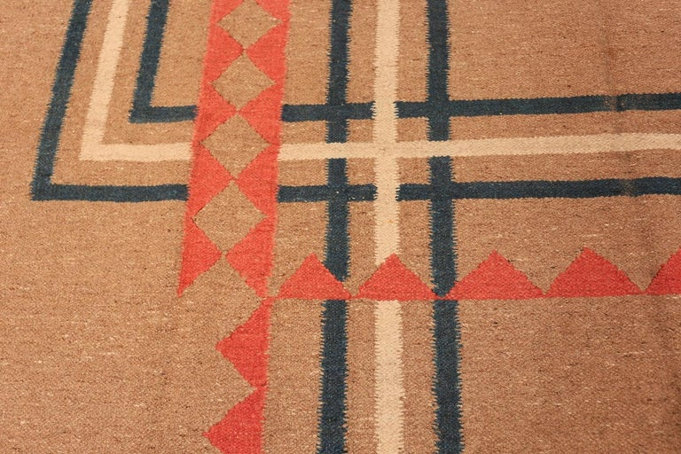 Indian Vintage Art Deco Kilim from India. Size: 9 ft x 11 ft 8 in (2.74 m x 3.56 m) For Sale