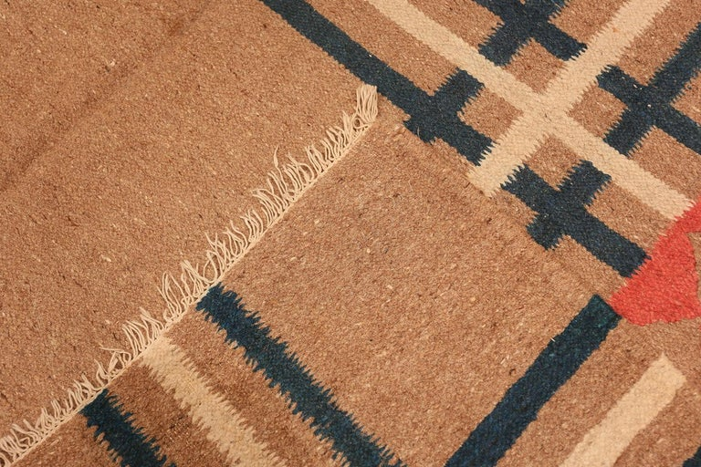 Wool Vintage Art Deco Kilim from India. Size: 9 ft x 11 ft 8 in (2.74 m x 3.56 m) For Sale