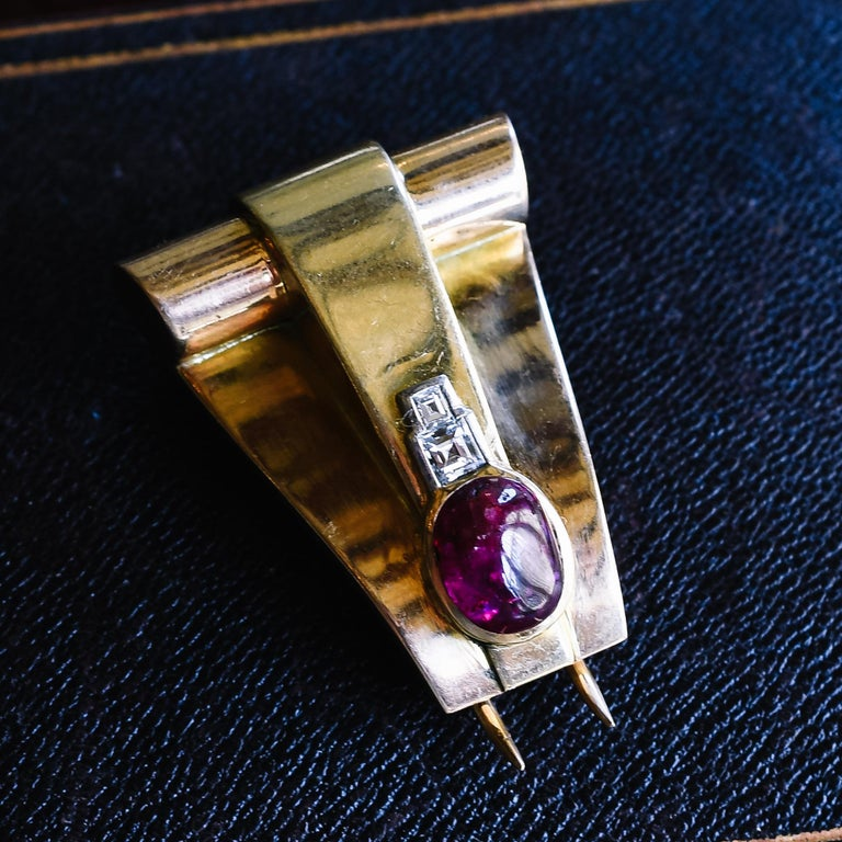 Vintage Art Deco Ruby Cabochon Diamond Brooch For Sale 2