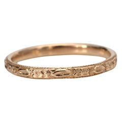 Vintage Art Deco Yellow Gold Antique Band with Floral Etching & Milgrain Details