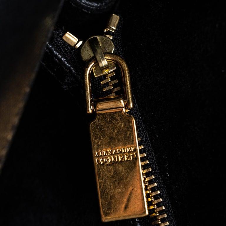 Vintage Authentic Alexander Mcqueen Black Leather Heroine Handbag ITALY MEDIUM  For Sale 9