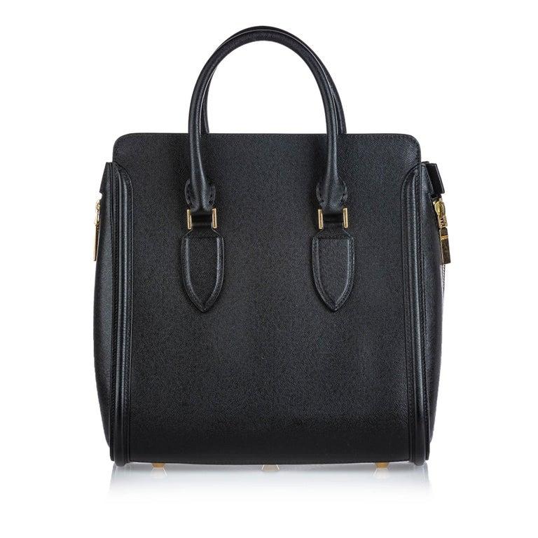 Vintage Authentic Alexander Mcqueen Black Leather Heroine Handbag ITALY MEDIUM  In Good Condition For Sale In Orlando, FL