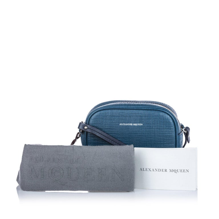 Vintage Authentic Alexander Mcqueen Blue Leather Mini Camera Bag ITALY MINI  For Sale 3