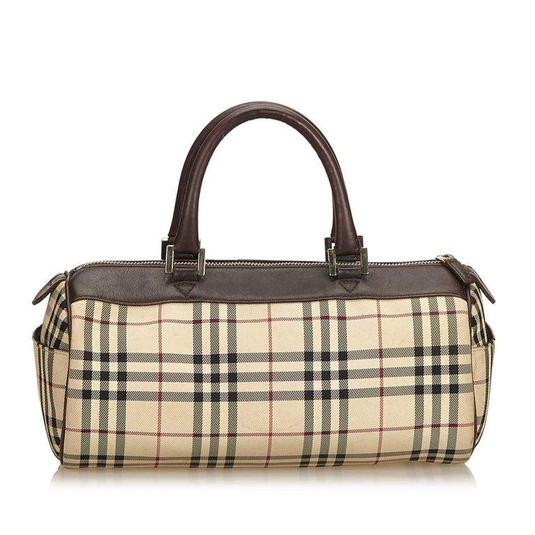 Beige Vintage Authentic Burberry Brown Plaid Boston Bag United Kingdom MEDIUM  For Sale