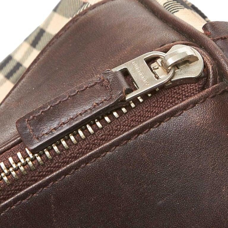 Vintage Authentic Burberry Brown Plaid Boston Bag United Kingdom MEDIUM  For Sale 2