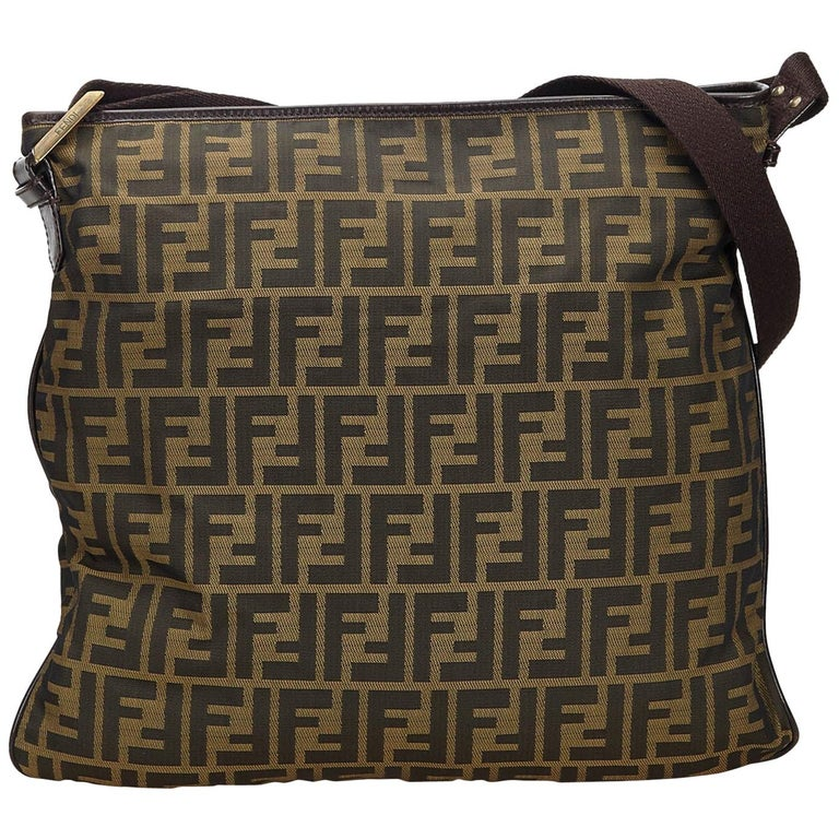 ee684fef Vintage Authentic Fendi Brown Canvas Fabric Zucca Crossbody Bag Italy LARGE