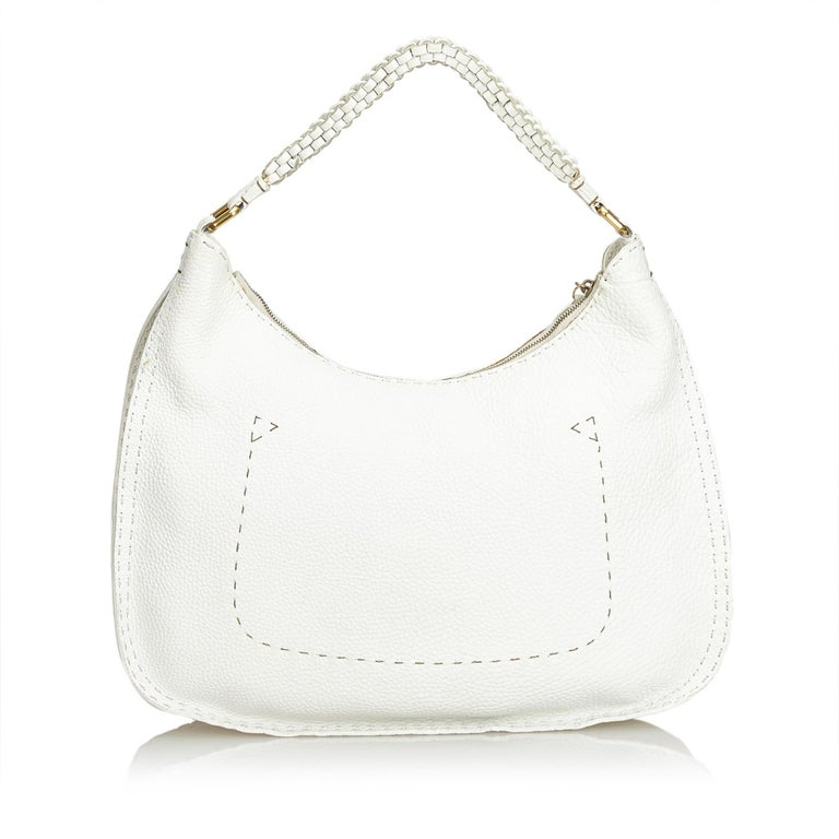 Vintage Authentic Fendi White Ivory Leather Selleria Hobo Bag Italy LARGE  In Good Condition For Sale In Orlando, FL