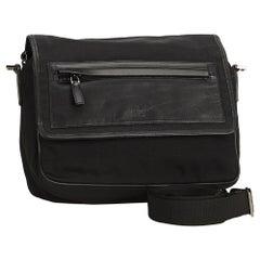Vintage Authentic Gucci Black Crossbody Bag Italy w Dust Bag MEDIUM