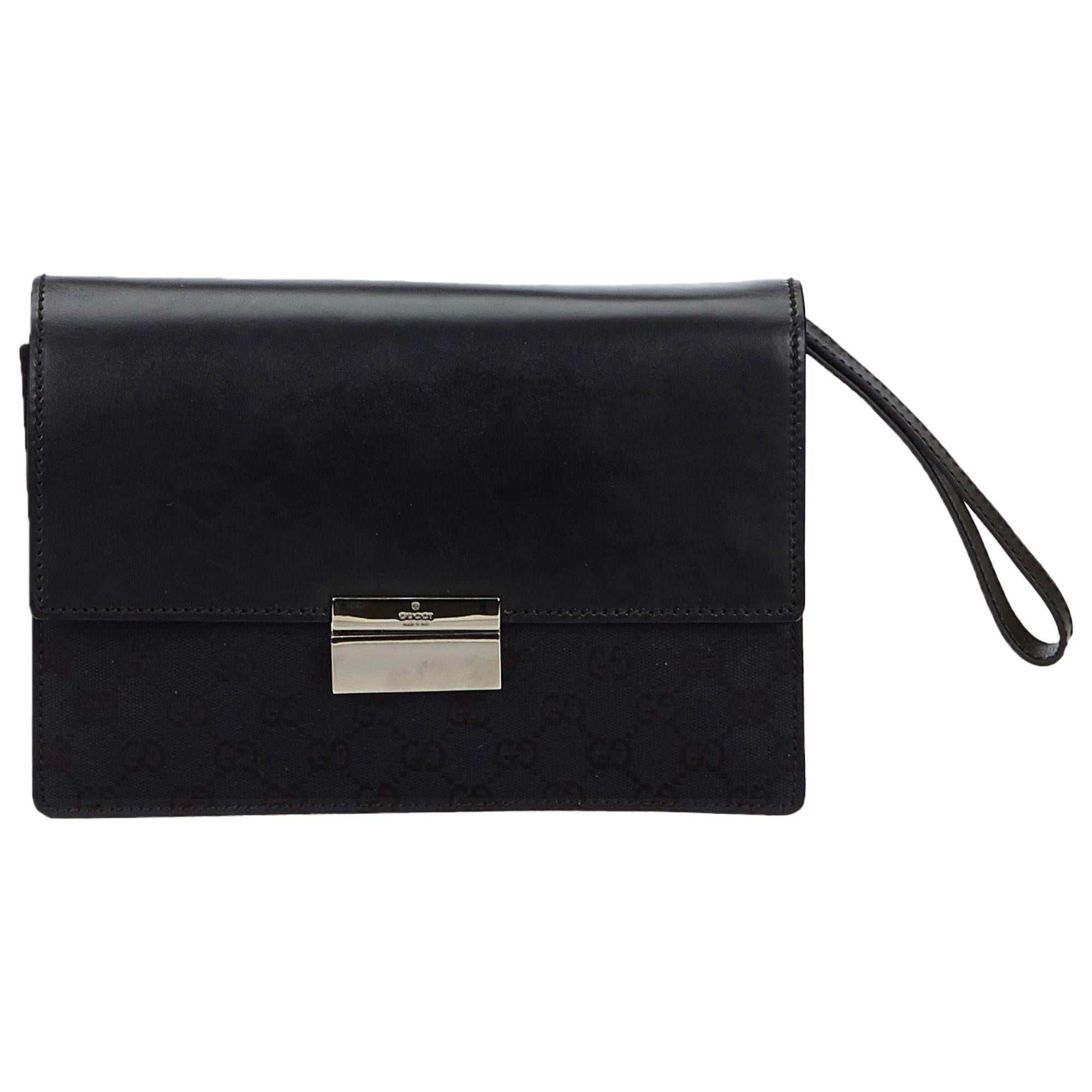 bbc0a9ad Vintage Gucci Clutches - 130 For Sale at 1stdibs