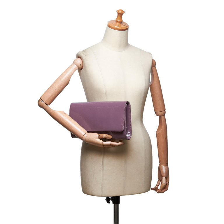 Vintage Authentic Gucci Purple Microguccissima Broadway Clutch Italy SMALL  For Sale 5