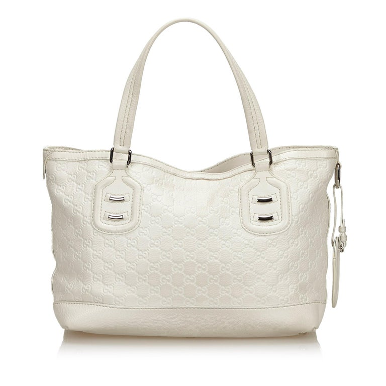 Vintage Authentic Gucci White Calf Leather Techno Tote Italy LARGE  In Good Condition In Orlando, FL