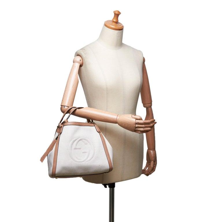 Vintage Authentic Gucci White Light Soho Shoulder Bag Italy MEDIUM  For Sale 6
