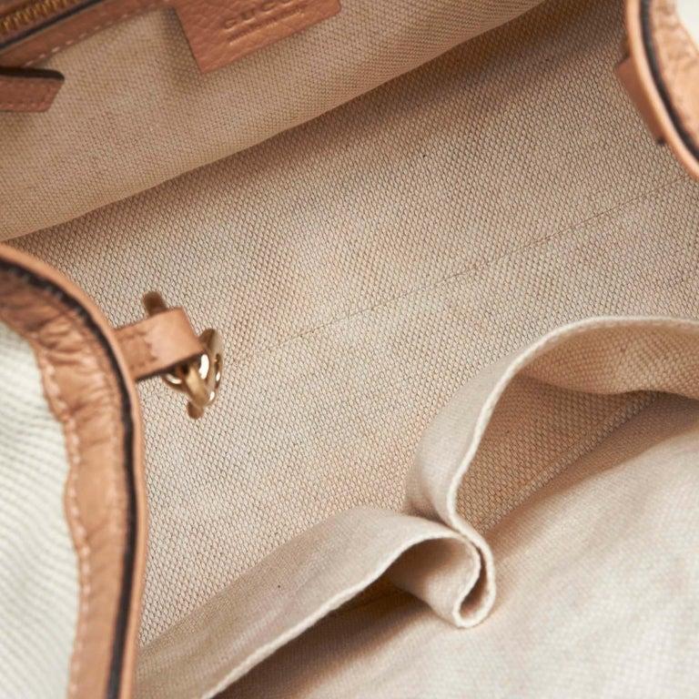 Vintage Authentic Gucci White Light Soho Shoulder Bag Italy MEDIUM  For Sale 1