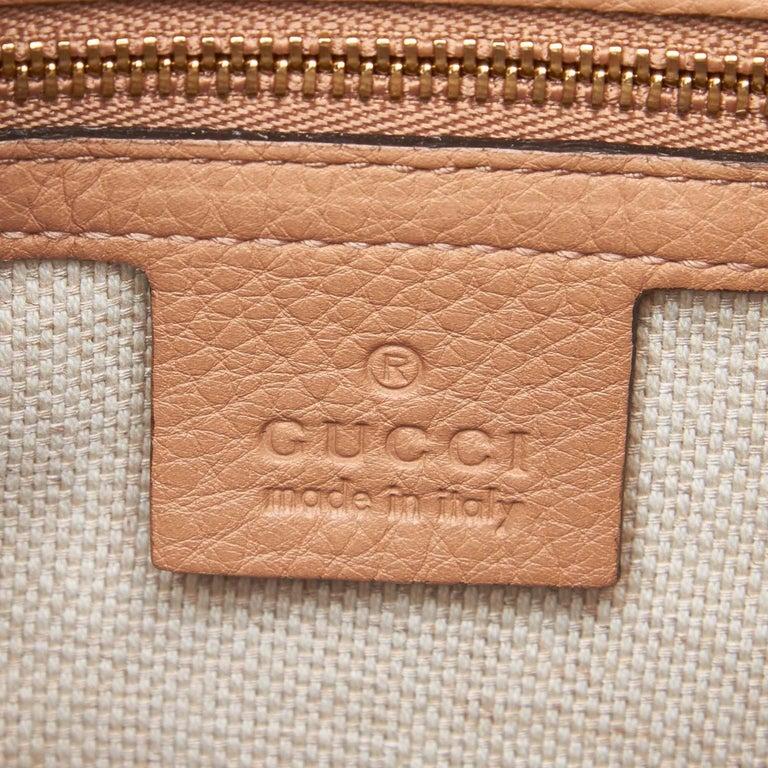Vintage Authentic Gucci White Light Soho Shoulder Bag Italy MEDIUM  For Sale 2