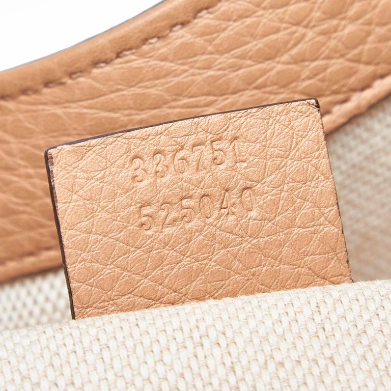 Vintage Authentic Gucci White Light Soho Shoulder Bag Italy MEDIUM  For Sale 3