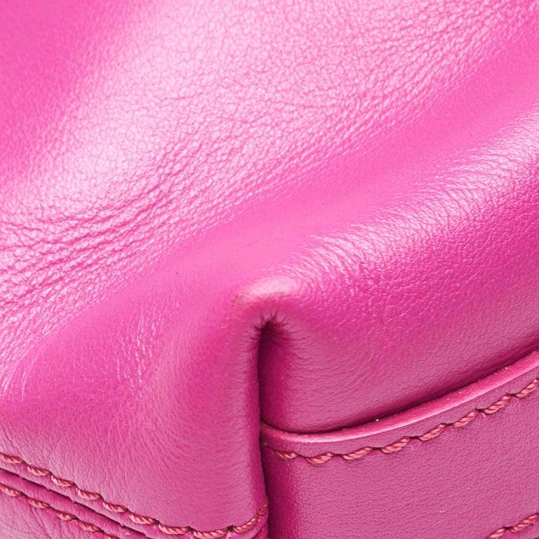 Vintage Authentic Leather Skull Padlock Fold over Clutch Bag w Padlock Key  For Sale 4