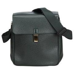 Vintage Authentic Louis Vuitton Black Taiga Leather Yaranga France MEDIUM