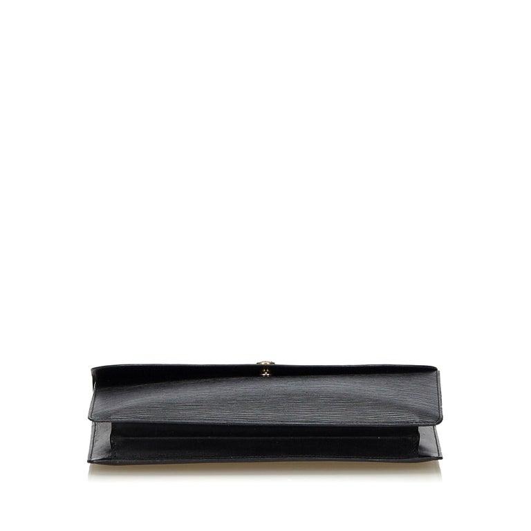 Women's Vintage Authentic Louis Vuitton Black Vintage Montaigne France w Dust Bag SMALL  For Sale